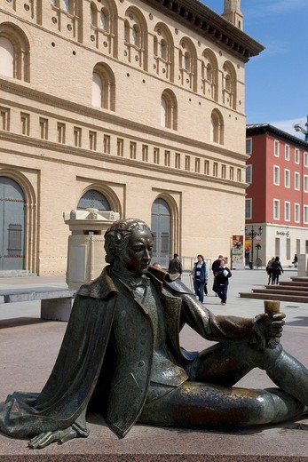 Bronze statue, Goya, La Lonja, stock exchange, Plaza del Pilar, Zaragoza, Saragossa, Expo city 2008, Province of Aragon, Spain, Europe : Stock Photo