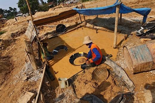 Gold digger, diamond mine, Cempaka, South Kalimantan, Borneo, Indonesia, South_East Asia : Stock Photo