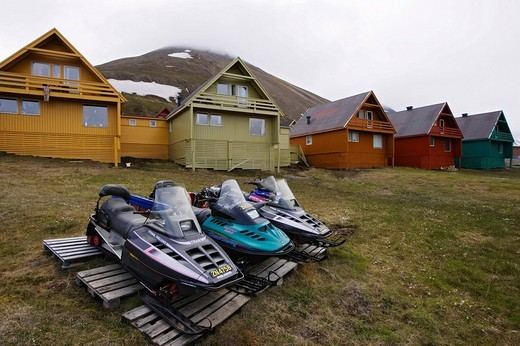 Snowmobiles in Longyearbyen, Spitsbergen, Svalbard, Norway, Europe : Stock Photo