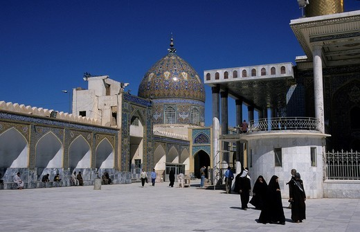 Believers in the Askariya Mosque, Golden Mosque, before its destruction in February 2006, Samarra, Iraq, Middle East : Stock Photo