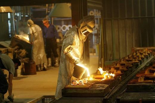 Foundry_Worker of the steel prdoucer Deloro Stellite GmbH in Koblenz Rhineland_Palatine germany : Stock Photo