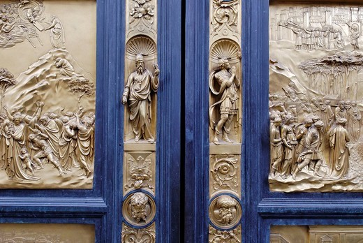 Bronze door to the Florence Paptistery or Battistero di San Giovanni or Baptistery of St John, early Renaissance masterpiece by Lorenzo Ghiberti, Florence, UNESCO World Heritage Site, Tuscany, Italy, Europe : Stock Photo