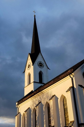 Late gothic styled church in the hamlet of Pietzenkirchen at the lake Simssee, Bavaria Germany : Stock Photo