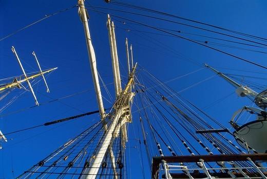 Ship´s masts, sailboat at Bergen Harbour, Bergen, Norway, Scandinavia : Stock Photo