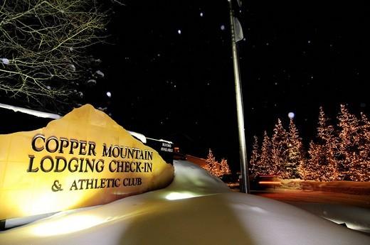 Driveway to the Copper Mountain Lodge, Copper Mountain ski area, Colorado, USA, North America : Stock Photo