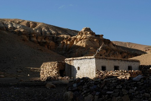 Stock Photo: 1848-97909 Caravan dwellings in the ancient kingdom of Guge, Ngari Prefecture, western Tibet, China