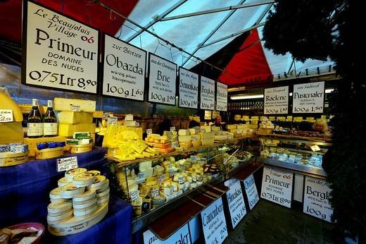 Stock Photo: 1848-99367 Cheese and wine stall, Viktualienmarkt, Munich, Upper Bavaria, Bavaria, Germany