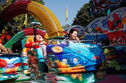 Stock Photo: 1848-99544 Octopussy ride, Laurentius fair, Bergisch Gladbach, North Rhine_Westphalia, Germany