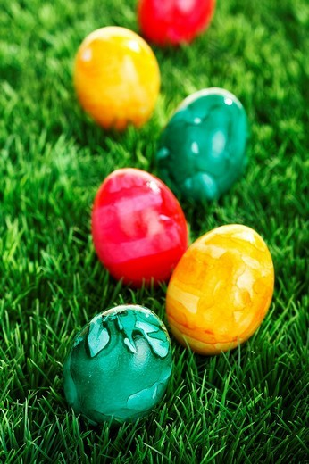 Stock Photo: 1848R-274852 Colourful Easter eggs on a lawn