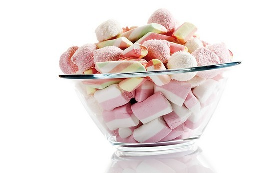 Stock Photo: 1848R-276871 Colourful marshmallows in a glass bowl