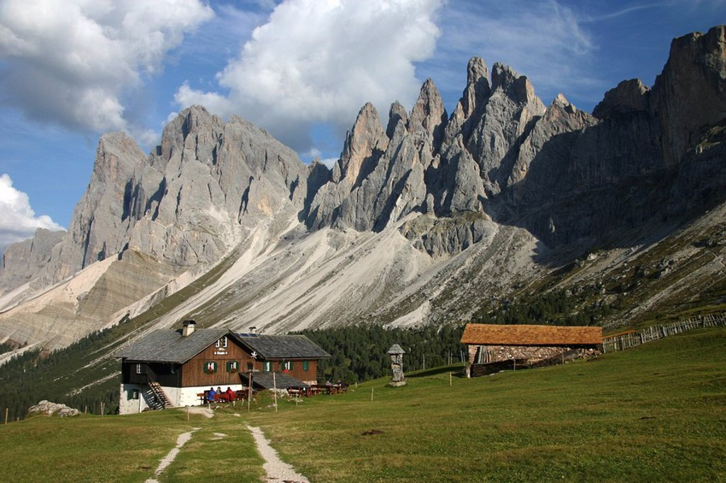 Brogles Huette, Geisslerspitzen, South Tyrol : Stock Photo