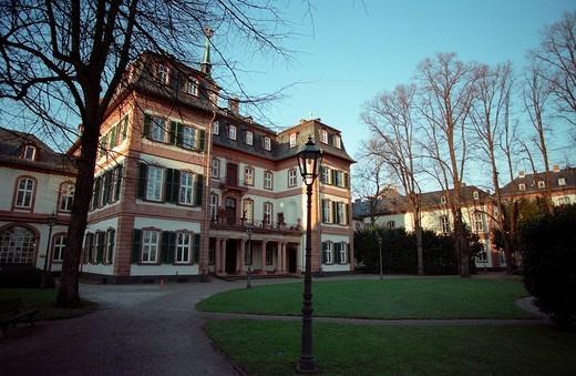 Stock Photo: 1848R-280513 Frankfurt/Main, DEU, Garden of the Bolongaro - palace ,