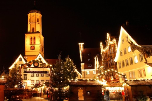 Christmas market in front of St  Martin´s Church in Biberach a d  Riss, Upper Swabia, Baden-Wuerttemberg, Germany, Europe : Stock Photo