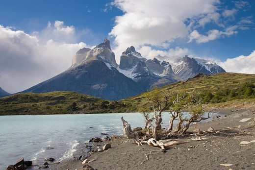 Stock Photo: 1848R-288924 Los Cuernos peaks and Lago Nordenskjoeld, Torres del Paine National Park, Patagonia, Chile, South America