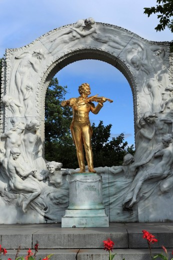 Johann Strauss monument in the Stadtpark, Viennese City Park, Vienna, Austria, Europe : Stock Photo