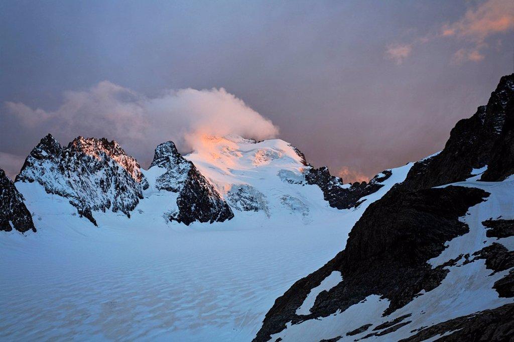 Stock Photo: 1848R-292840 Barre des Ecrins 4 102 m, Glacier Blanc, Provence-Alpes-Cote de Azur, Hautes-Alpes, France