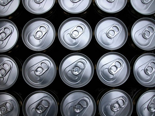 Stock Photo: 1848R-293812 Beverage cans