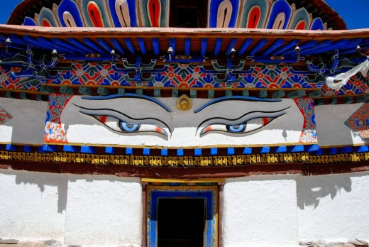 Stock Photo: 1848R-310270 The eyes of Buddha Kumbum Pelkor Chöde Monastery Gyantse Tibet China