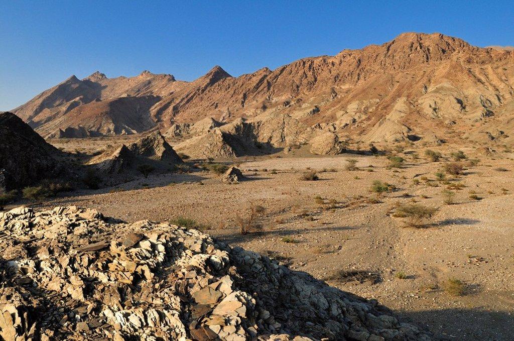Stock Photo: 1848R-311435 Rocky desert landscape, Hajar ash Sharqi Mountains, Sharqiya Region, Sultanate of Oman, Arabia, Middle East