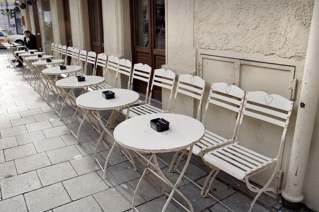 Street cafe in the Tuerkenstrasse, Schwabing, Munich, Bavaria, Germany : Stock Photo