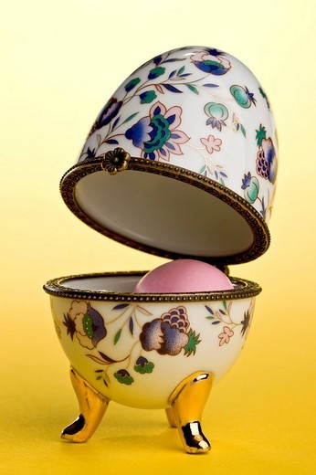 Stock Photo: 1848R-321704 Russian style Easter egg