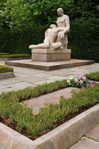 Sculpture in Mindelunden Memorial Park, Copenhagen, Denmark, Europe : Stock Photo