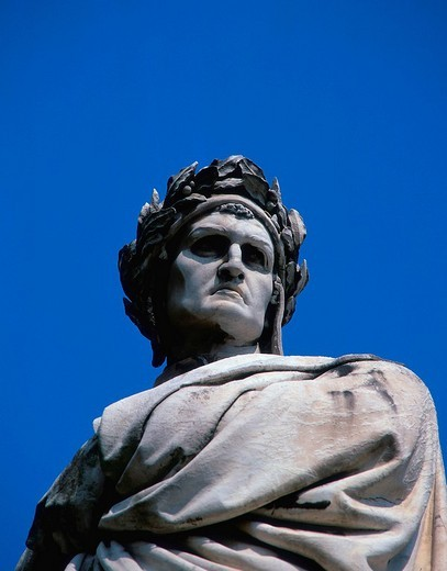 Stock Photo: 1848R-327877 Statue of Dante Aligheri, church Santa Croce, Florence, Tuscany, Italy