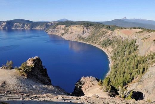 Crater lake of the Mount Mazuma Volcano, north_east edge, Crater Lake National Park, Oregon, USA : Stock Photo