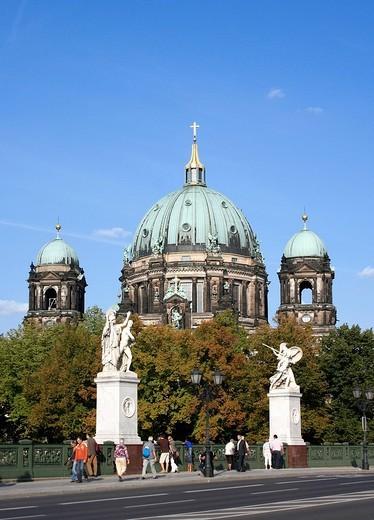 Stock Photo: 1848R-330379 Castle bridge, Schlossbruecke, Unter den Linden, Berlin, Germany