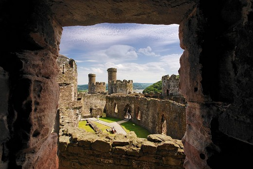 World Heritage Site King Edward´s Castle and town walls, Conwy, Wales, Great Britain : Stock Photo