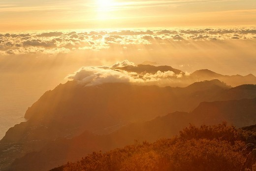 Stock Photo: 1848R-336563 Sunrise viewed from the mountain Achada do Teixeira 1592m with a view to the peninsule Ponta de Sao Lorenco, Madeira, Portugal