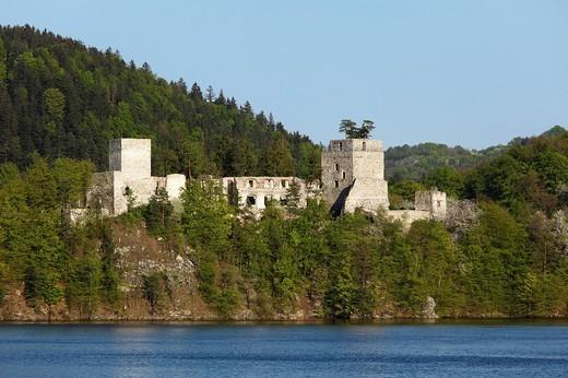 Ruins of Burg Dobra Castle, Dobra Reservoir, Kamp River, Kamptal_Schoenberg Nature Park, Waldviertel, Lower Austria, Austria, Europe : Stock Photo