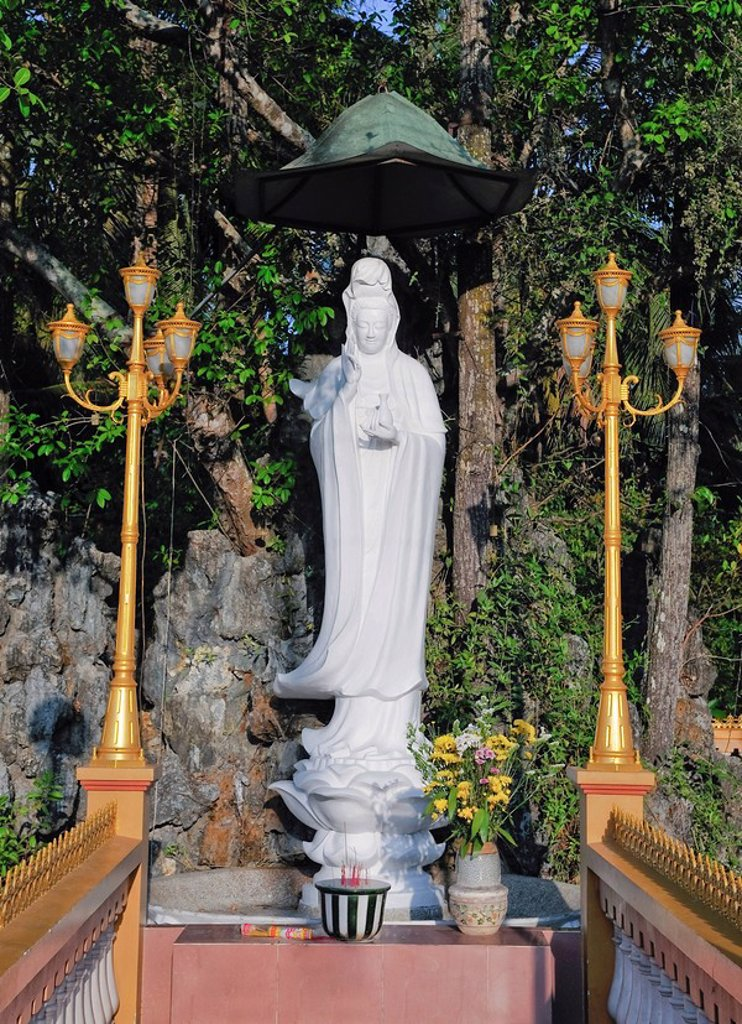 Stock Photo: 1848R-339515 Statue of Buddha in the Vinh Trang Pagoda, My Tho, Mekong Delta, Vietnam, Asia