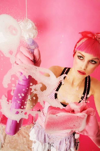 Stock Photo: 1848R-345265 Spring-cleaning in pink