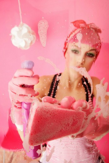 Stock Photo: 1848R-349424 Spring-cleaning in pink