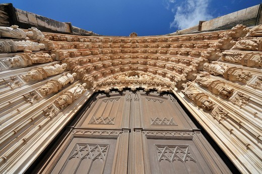 Gothic portal of the basilica, Dominican monastery Mosteiro de Santa Maria da Vitoria, UNESCO World Heritage Site, Batalha, Portugal, Europe : Stock Photo