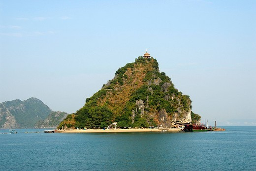 Small island with a peak, beach, Dao Titop, Ha Long Bay, Vietnam, Southeast Asia : Stock Photo