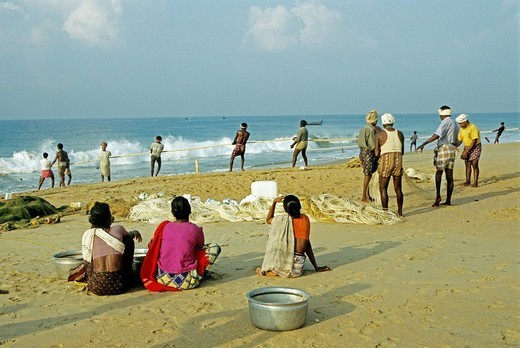 On the beach in front of shomatheeram everything runs as centuries before india : Stock Photo