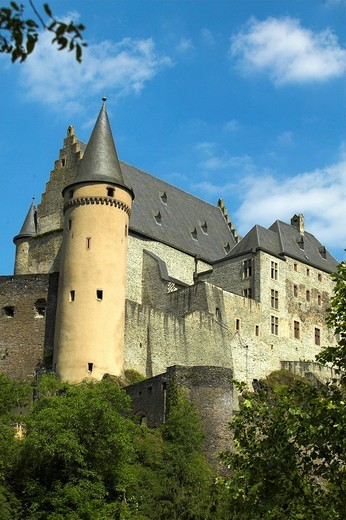 Luxembourg / Vianden: Castle : Stock Photo