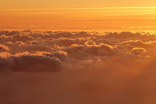 Sunrise viewed from the mountain Achada do Teixeira 1592m, Madeira, Portugal : Stock Photo