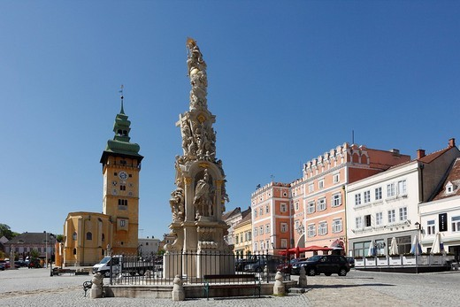 Main Square with Town Hall, Trinity Column and Verderberhaus in Retz, Weinviertel, Lower Austria, Austria, Europe : Stock Photo