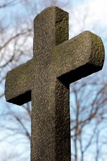 Stock Photo: 1848R-361343 Stone grave cross