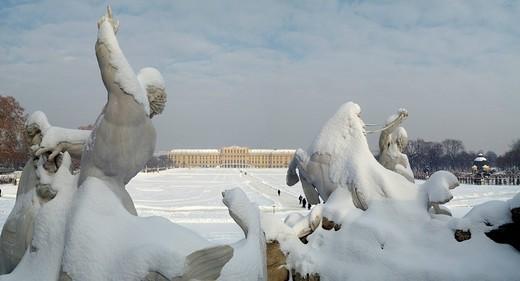 Font of Neptun and palace Schönbrunn in winter Vienna Austria : Stock Photo
