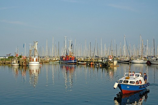 Stock Photo: 1848R-363700 Port in maasholm
