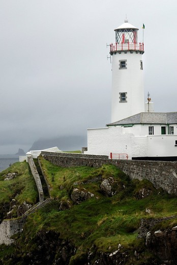Beacon of Fanad Head at the mouth of Milford sound, Co Donegal Ireland : Stock Photo