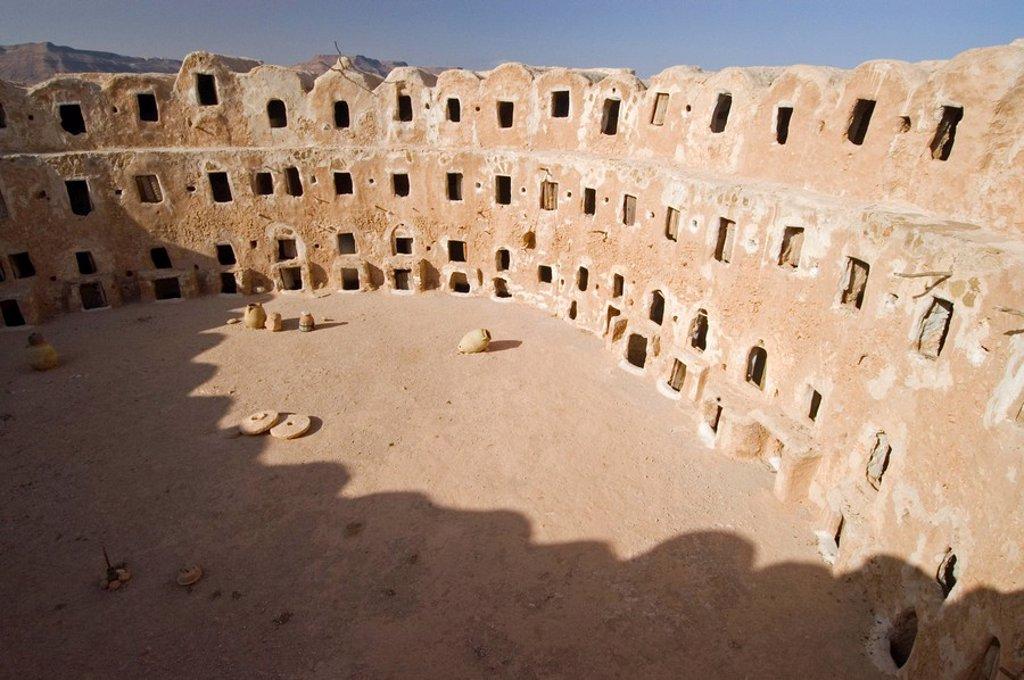 Stock Photo: 1848R-367061 Storage castle with ghorfas, Qasr el Hajj, Nafusah mountains