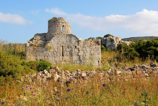 Ruin of a church in a field Karpaz Peninsula North Cyprus : Stock Photo
