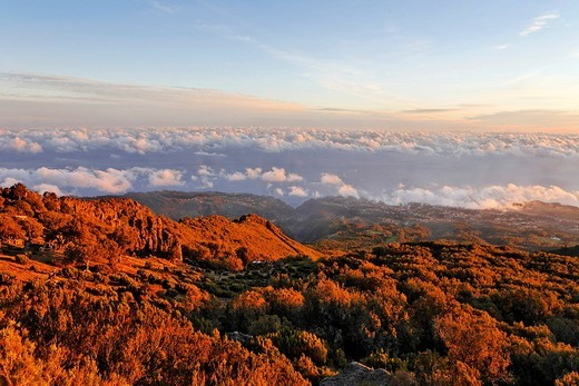 Sunrise viewed from the mountain Achada do Teixeira 1592m with a view to the North coast, Madeira, Portugal : Stock Photo