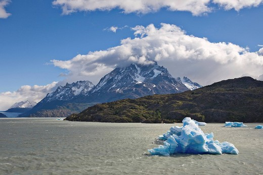 Stock Photo: 1848R-372313 Icebergs and mountain peaks of the Torres del Paine Grande, seen from the Lago Grey, Torres del Paine National Park, Patagonia, Chile, South America