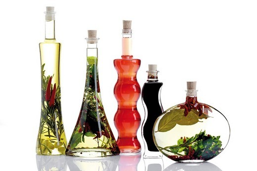 Stock Photo: 1848R-376511 Oil and vinegar bottles